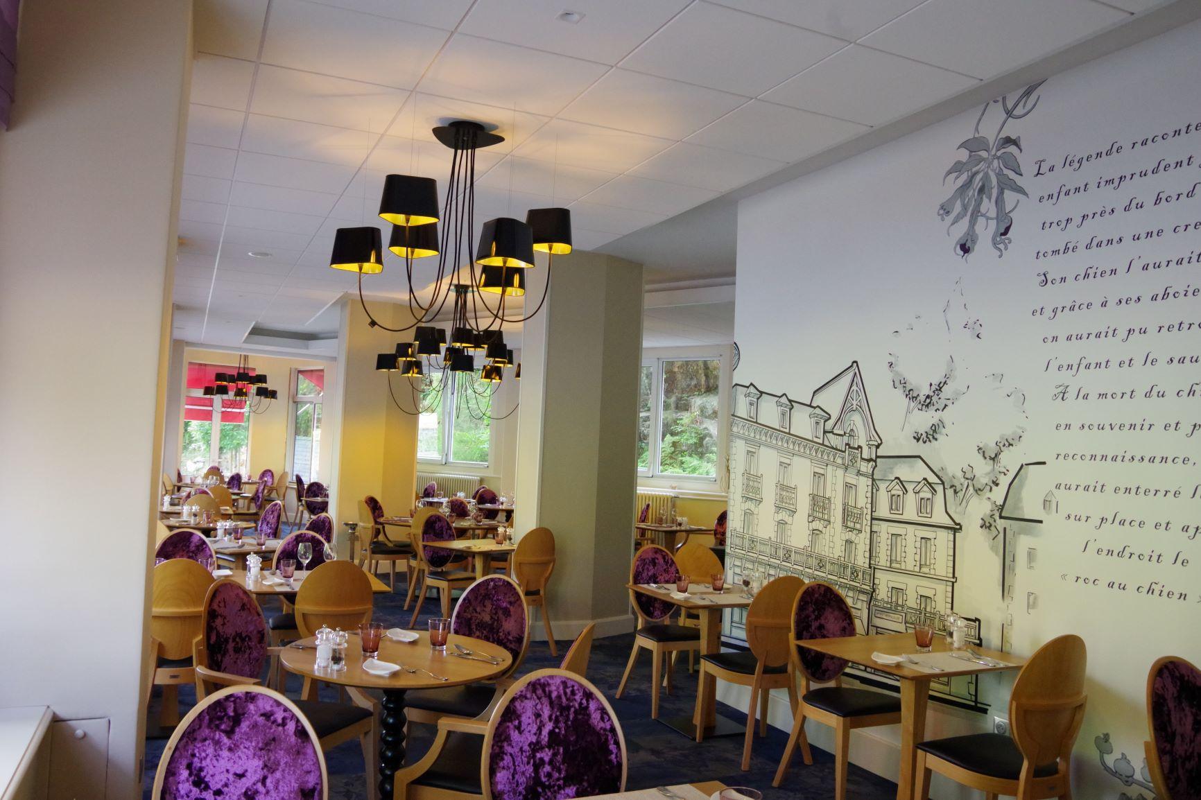 """La Salle du restaurant """"La Belle Epoque"""""""