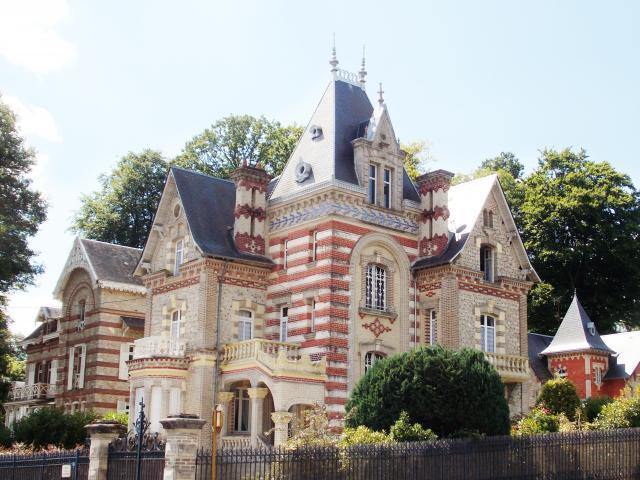 Bagnoles-orne-villa-belle-epoque-castel